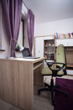 Der Raum des Schulmädchens Stockfoto