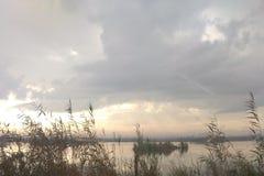 Der regnerische Himmel stockbild