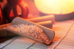 Der Reis auf der kleinen Abtropfplatte, Chinese entwirft, schönes orange Licht Stockfotografie