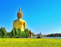der Reisereligion des alten Tempels des asiastyle Buddha-Statuentempels schöne Hintergrundtapete ist es ein archäologisches Lizenzfreie Stockfotos