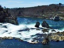 Der Rheinfall- oder Rheinfall-Wasserfall, Neuhausen sind Rheinfall stockfoto