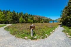 Der Richtungs Naturlehrpfad unterzeichnen herein Acadia-Nationalpark, Maine Lizenzfreies Stockbild