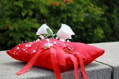 Der Rosenhochzeitsblumenstrauß stockbilder