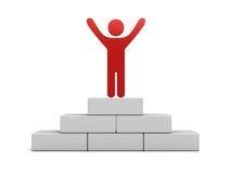 Der rote Mann, der mit den breiten Armen steht, öffnen sich auf die Oberseite des gewinnenden Podiums Lizenzfreies Stockfoto