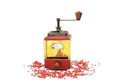 Der rote Pfeffer mit alter Pfeffermühle lizenzfreie stockfotografie
