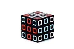 Der Rubik-` s Würfel auf dem weißen Hintergrund E Der Rubik-` s Würfel auf dem weißen Hintergrund E Lizenzfreie Stockfotografie