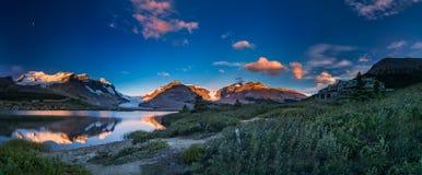 Der ruhige Morgen in der Eisfeldmitte Stockfotografie
