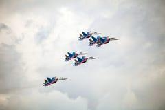Der Russe adelt aerobatic Demonstrationsteam der russischen Luftwaffe Stockbilder
