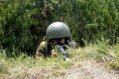 Der russische Soldat, spezielle Truppen auf einer Position Lizenzfreie Stockbilder