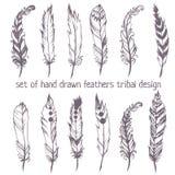Der Satz der Hand gezeichnet versieht für Indianer Dreamcatcher-masc mit Federn Stockfotos