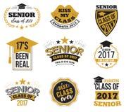 Der Satz des Schwarzen und des Goldes färbte ältere Textzeichen mit der Staffelungs-Kappe, Bandvektorillustration Klasse von 2017 Stockfotos