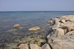 Der schöne Gouverneur ` s Strand Limassol in Zypern lizenzfreie stockfotografie