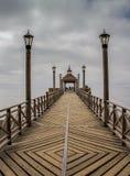 Der schöne hölzerne Pier auf See Llanquihue in Frutillar lizenzfreies stockfoto