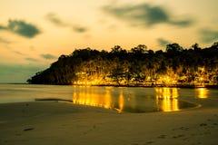 Der schöne Meerblick unter der Sonnenuntergangzeit Lizenzfreies Stockbild