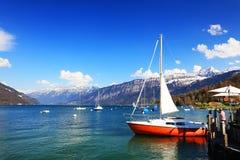Der schöne See Thun Thunersee auf Deutsch Lizenzfreies Stockfoto