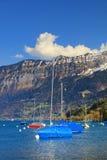 Der schöne See Thun - Thunersee auf Deutsch Lizenzfreies Stockfoto