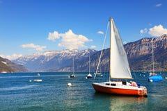 Der schöne See Thun Thunersee auf Deutsch Lizenzfreie Stockbilder