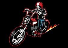 Der Schädel, der eine lederne Radfahrerjacke trägt und reiten ein Motorrad Lizenzfreies Stockbild