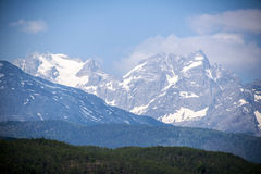 Der Schneeberg im Lijiang Lizenzfreies Stockfoto