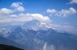 Der Schneeberg im Lijiang Stockfotos