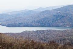 Der See in den Bergen Lizenzfreies Stockfoto