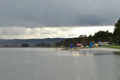 Der See vor dem Sturm Hintergrund Stockfotografie