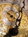 Der Sekundentimer auf einer großväterlichen Borduhr Stockfoto