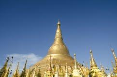 Der Shwedagon-Pagoden-Tempel, goldene Pagode in RANGUN, MYANMAR Stockbild