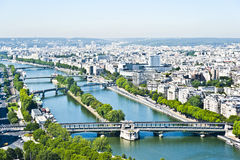 Der Siene Fluss in Paris von oben. Lizenzfreie Stockfotos