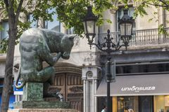 Der Skulpturc$stier-denker, Barcelona Stockfotografie
