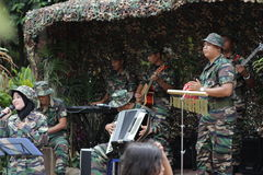 Der Soldat des malaysians, der am Ereignis singt Lizenzfreies Stockbild