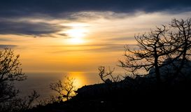 Der Sonnenuntergang an der Natur Stockfotografie
