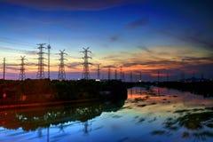 Der Sonnenuntergang von Ihnen Falben-Hafen lizenzfreie stockfotografie