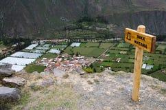 An der Spitze des Berges in den Ruinen von Ollantaytambo lizenzfreies stockbild