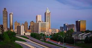 Der Stadtskyline Atlantas Georgia früher Morgen lizenzfreie stockfotografie