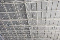 Der Stahllichtstrahl und der Binder lizenzfreie stockfotografie