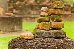 Der Stapel der alten Ziegelsteine Stockbild