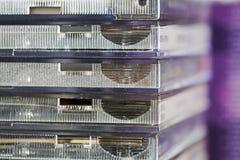 Der Stapel von benutzten CD-Kästen Lizenzfreie Stockfotografie