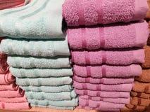 Der Stapel von Tüchern lizenzfreie stockfotografie
