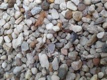 der Stein beschreibt nur Härte, aber Festigkeit nicht in seiner Position stockfotos