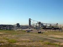 Der Steinkohlenbergbau im Grasland Stockfotografie