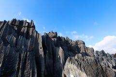 Der Steinwald in Yunnan Dieses ist die Bildungen eines Kalksteins, die in Shilin-Karstgebiet, Yunnan, China gelegen sind lizenzfreies stockbild