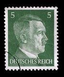 Der Stempel, der in Deutschland gedruckt wird, zeigt Bild von Adolf Hitler Lizenzfreies Stockfoto