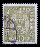 Der Stempel, der durch Österreich gedruckt wird, Shows krönen und Adler Lizenzfreies Stockbild