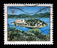 Der Stempel, der in Jugoslawien gedruckt wird, zeigt die Insel von Mljet, adriatisches Meer, Kroatien Lizenzfreie Stockfotos