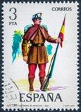 Der Stempel, der in Spanien gedruckt wird, zeigt Kapjäger von Infanterie 1860 lizenzfreie stockbilder