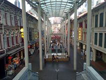 Der Stra?en-Menge Singapurs Chinatown China Einkaufsnahrung stockfotos