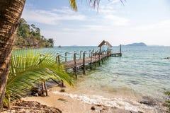 Der Strand auf einer Tropeninsel Stockbild