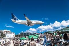 Der Strand bei Maho Bay Stockfoto