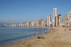 Der Strand in Benidorm in Spanien. stockbilder